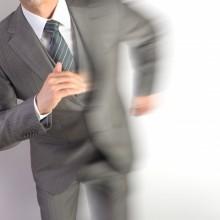 走る男の人