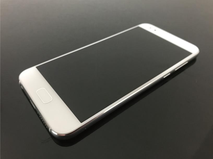 ZenFone 4の正面