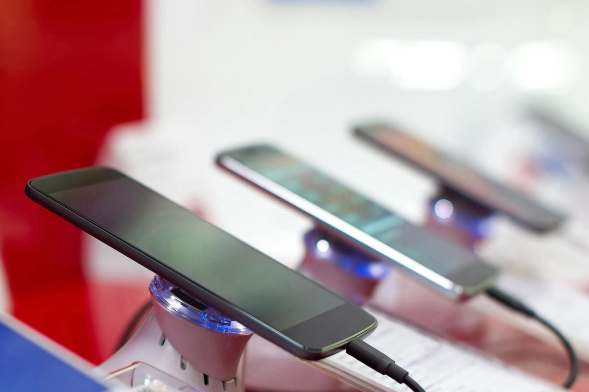 携帯 どこで 買える プリペイド