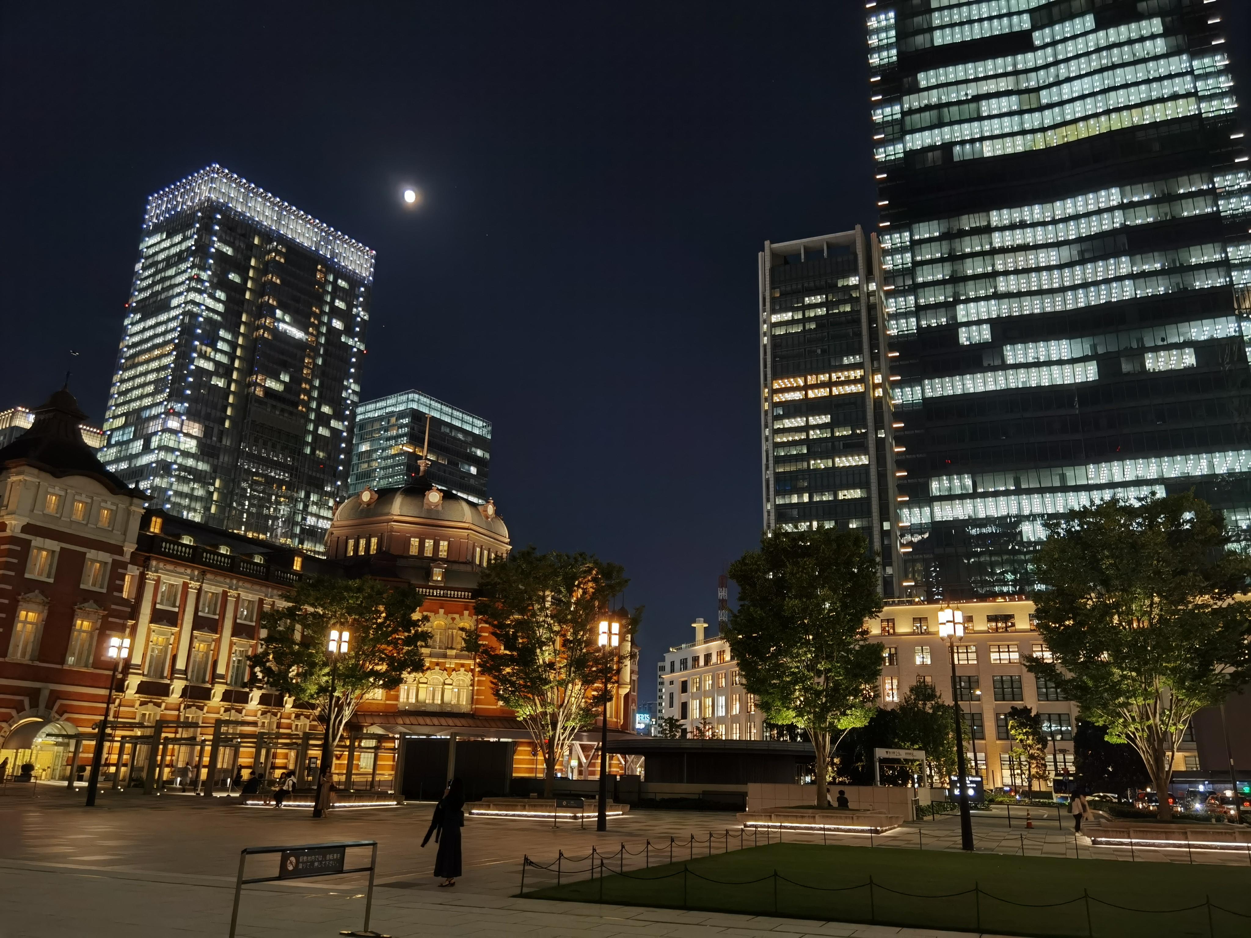 夜の東京駅 夜景カメラ